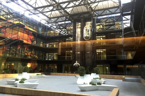 Sede central icex dom tica edificios singulares iddom tica for Blau hotels oficinas centrales