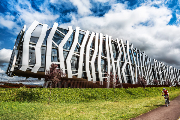 Caja vital dom tica edificios singulares iddom tica for Caja vital oficinas vitoria